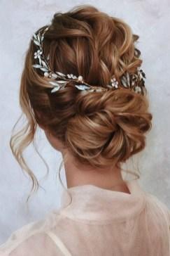 40 How Elegant Wedding Hair Accessories Ideas 18