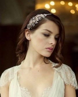 40 How Elegant Wedding Hair Accessories Ideas 19