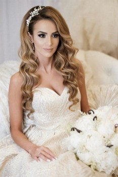 40 How Elegant Wedding Hair Accessories Ideas 27