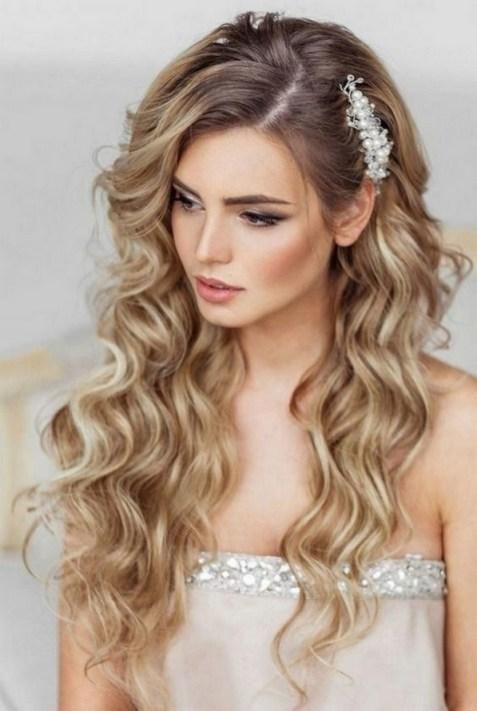 40 How Elegant Wedding Hair Accessories Ideas 37