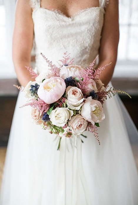 Best Romantic Peony Wedding Bouquet Inspiration 12