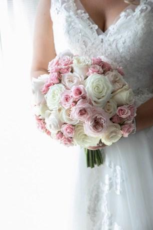 Best Romantic Peony Wedding Bouquet Inspiration 32