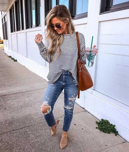 How To Style Casual Spring Outfits for Women 27