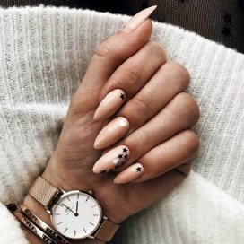 Inspiring Almond Shaped Nail for Girls 06