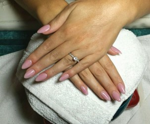 Inspiring Almond Shaped Nail for Girls 15