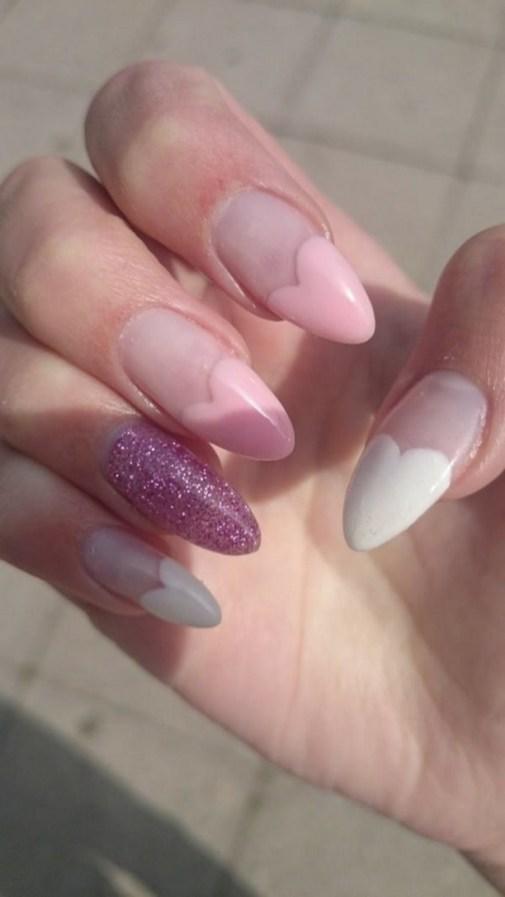 Inspiring Almond Shaped Nail for Girls 16