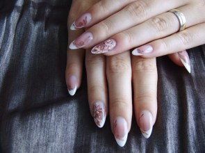 Inspiring Almond Shaped Nail for Girls 21