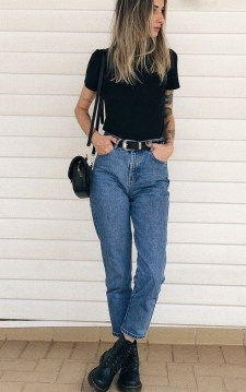 Mom Jeans Outfits Ideas for 2021 35