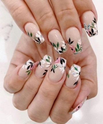 Spring Nail art Design and Colors Ideas For 2021 24