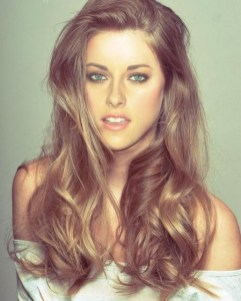 20 Long Wavy Hairstyles The Envy of Most Women 14