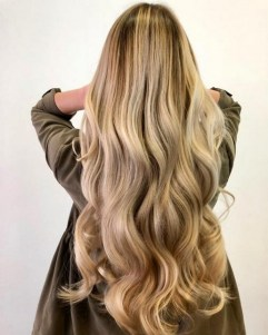 20 Long Wavy Hairstyles The Envy of Most Women 16