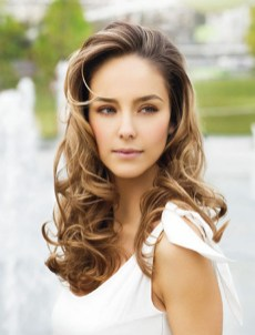20 Long Wavy Hairstyles The Envy of Most Women 22