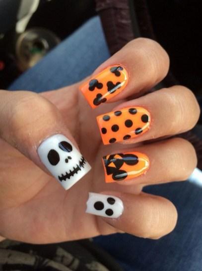 50 Cute Halloween Nail Art You Will Love 02