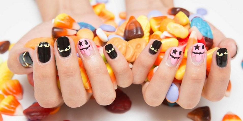 50 Cute Halloween Nail Art You Will Love 26