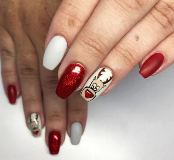 50 Lovely Chrismas Nail Art You Need to 22