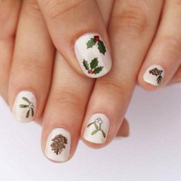 50 Lovely Chrismas Nail Art You Need to 28