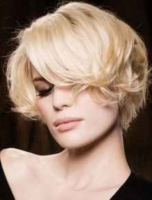 60 Dare to be Sexy with Short Hairstyle Look 3