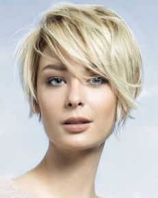 60 Dare to be Sexy with Short Hairstyle Look 33