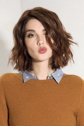 60 Dare to be Sexy with Short Hairstyle Look 6