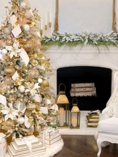 70 Catchy Silver and Gold Christmas Trees Decor You Need to See 1