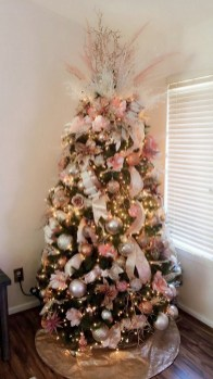 70 Catchy Silver and Gold Christmas Trees Decor You Need to See 12