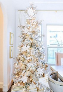 70 Catchy Silver and Gold Christmas Trees Decor You Need to See 20