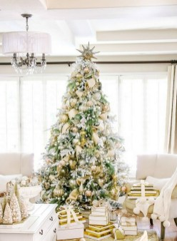 70 Catchy Silver and Gold Christmas Trees Decor You Need to See 60
