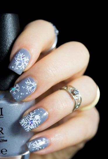 25 Fun Winter Nail Design Ideas 01
