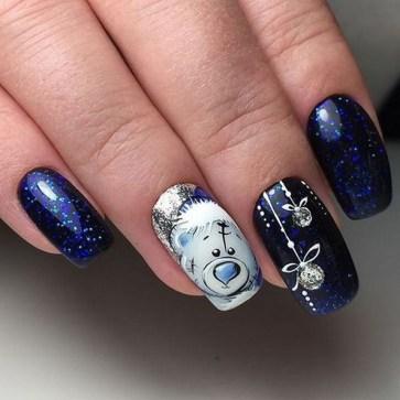 25 Fun Winter Nail Design Ideas 19