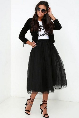 40 Simple Glam Black Tulle Skirt Outfits Ideas 45