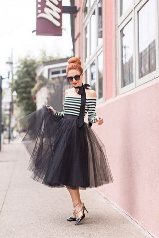40 Simple Glam Black Tulle Skirt Outfits Ideas 5