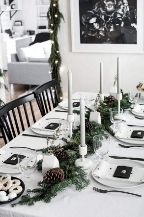 50 How to Arrange a Dining Table for Christmas Occasion 1
