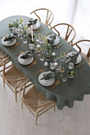 50 How to Arrange a Dining Table for Christmas Occasion 31
