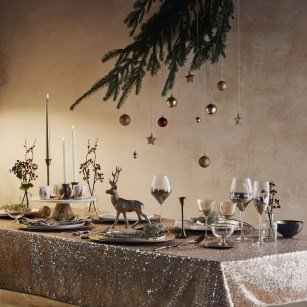 50 How to Arrange a Dining Table for Christmas Occasion 44