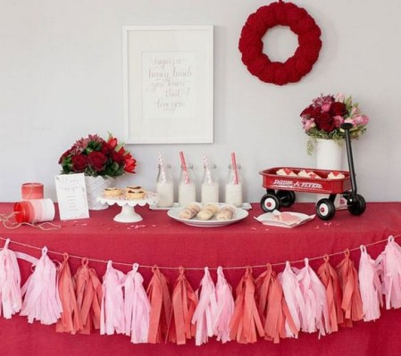 50 Romantic Valentines Party Decoration You Need to See 20