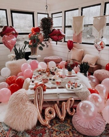 50 Romantic Valentines Party Decoration You Need to See 6