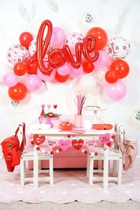 50 Romantic Valentines Party Decoration You Need to See 9
