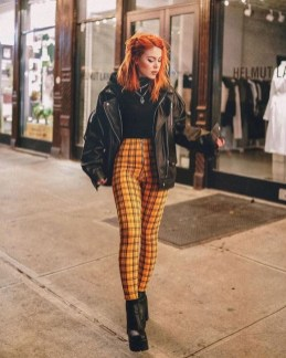 60 Adorable Yellow Outfit for Winter 3
