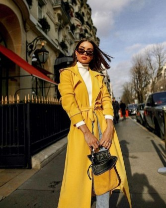 60 Adorable Yellow Outfit for Winter 33