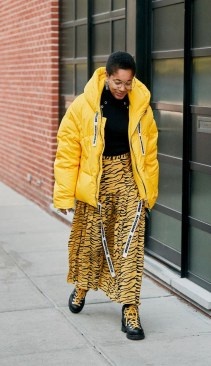 60 Adorable Yellow Outfit for Winter 36