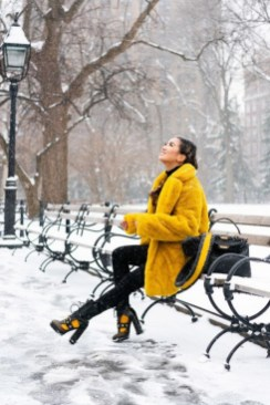60 Adorable Yellow Outfit for Winter 38