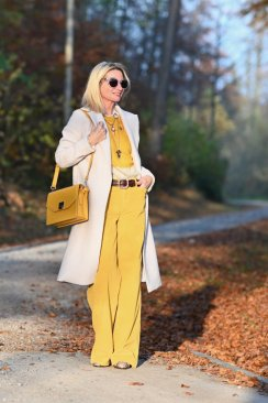 60 Adorable Yellow Outfit for Winter 39