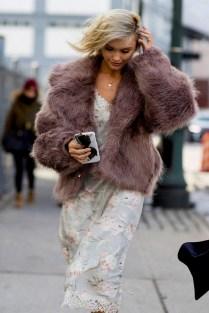 80 Fashionable Women Faux Fur Coats Look 19