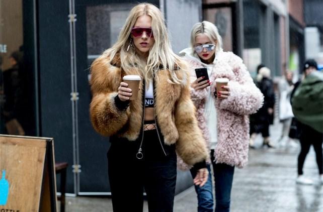 80 Fashionable Women Faux Fur Coats Look 2