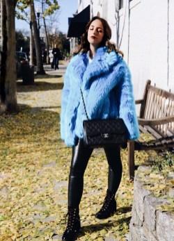 80 Fashionable Women Faux Fur Coats Look 26