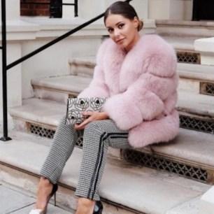 80 Fashionable Women Faux Fur Coats Look 32