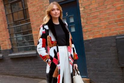 80 Fashionable Women Faux Fur Coats Look 4