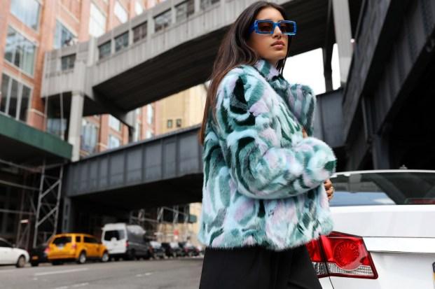 80 Fashionable Women Faux Fur Coats Look 41