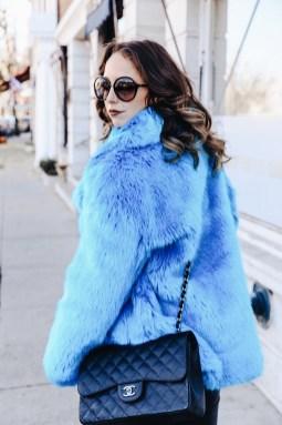 80 Fashionable Women Faux Fur Coats Look 42