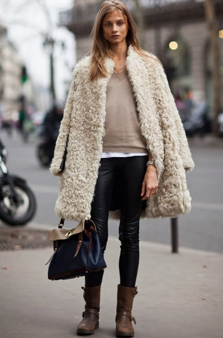 80 Fashionable Women Faux Fur Coats Look 54